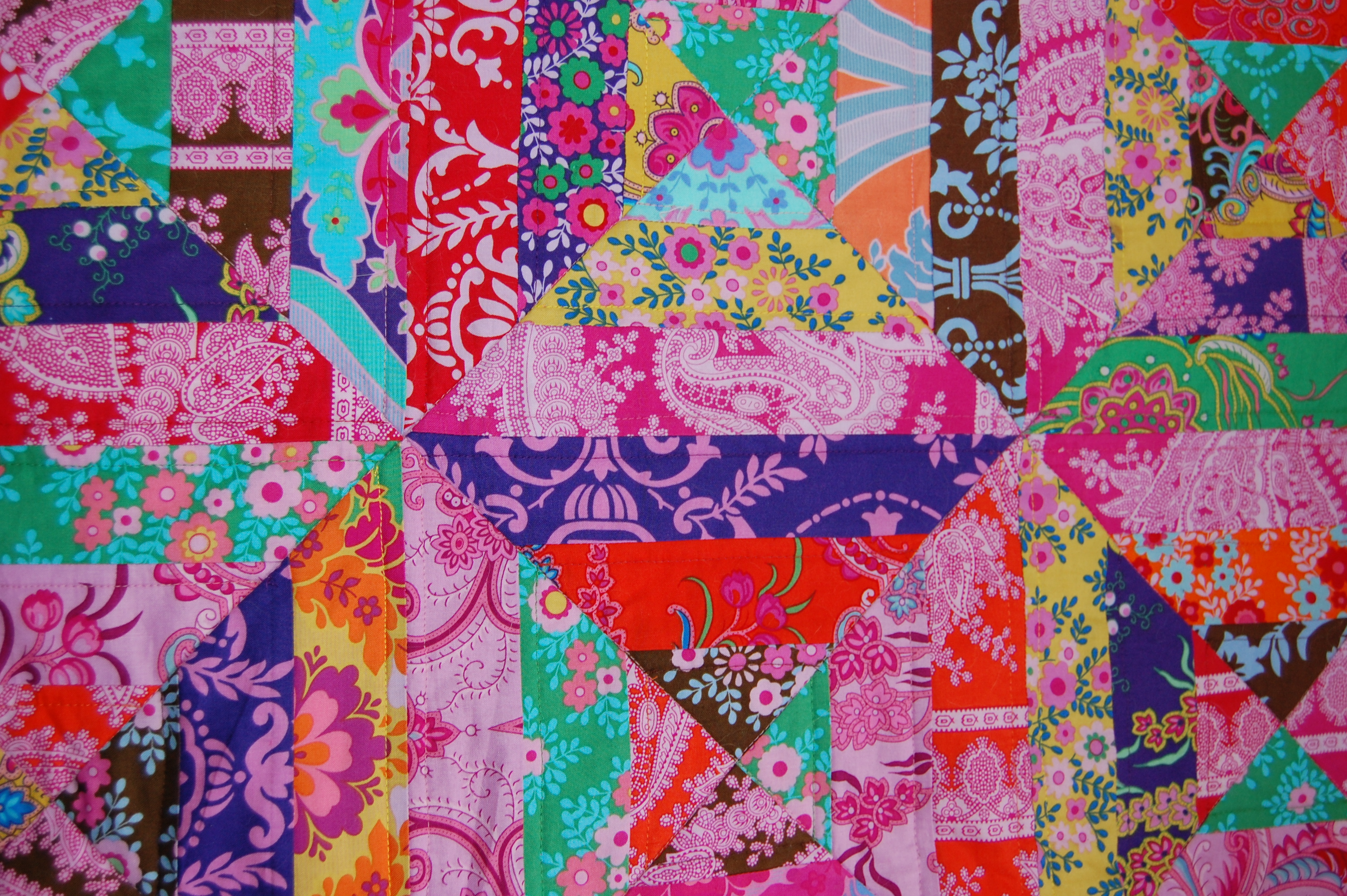 Crazy Quilt Patterns Free : Free Pattern - Crazy Love Quilt