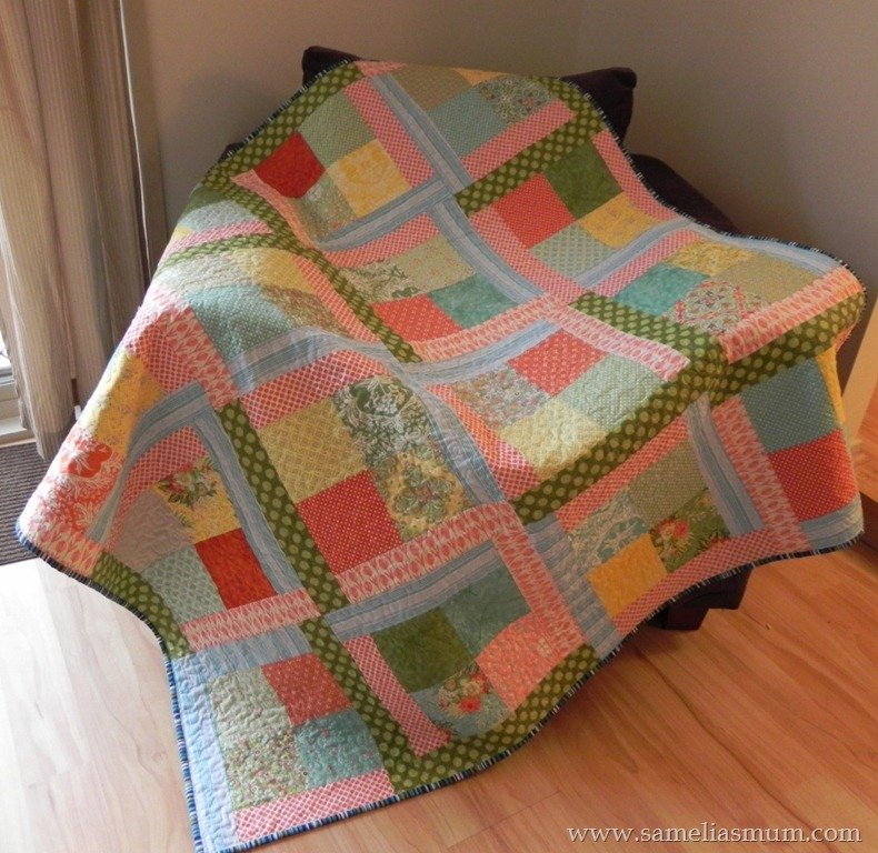 Scrap Quilt Patterns For Beginners : Free Tutorial - Scrappy Flora Quilt by Anorina
