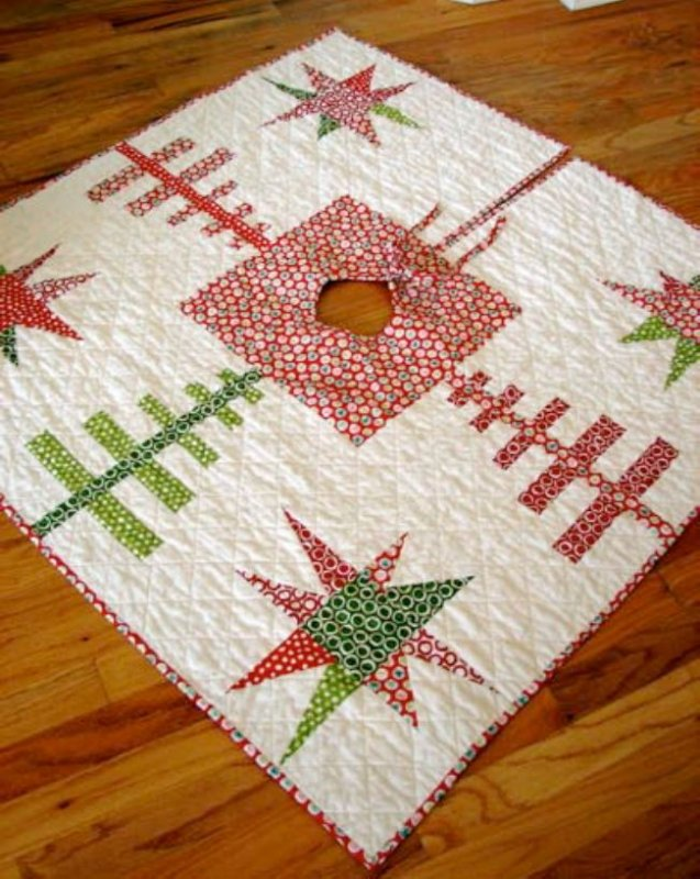 Free Pattern - Starry Forest Christmas Tree Skirt