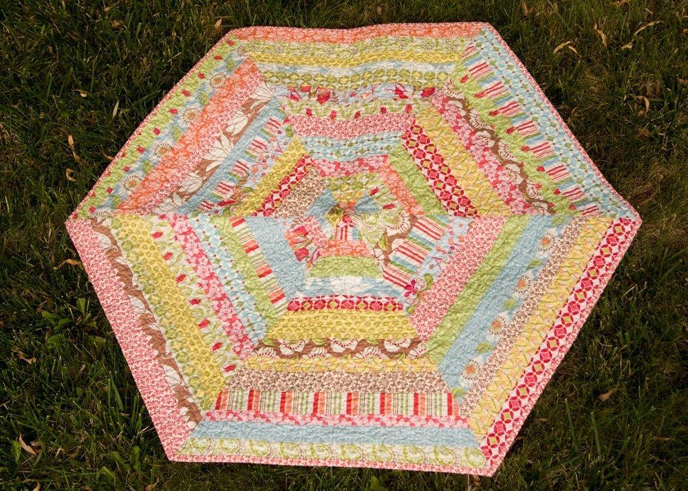 Free Tutorial - Hexagon Quilt Binding by Kati