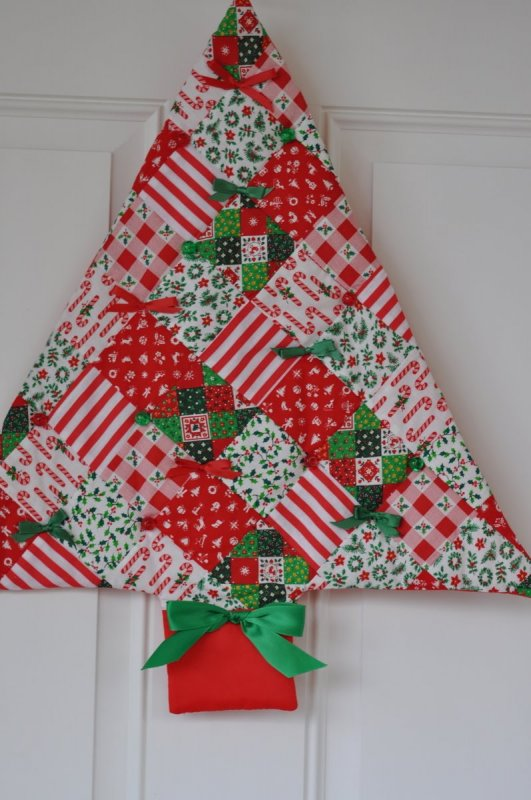 Free Quilt Patterns Christmas Tree : Click Image to Enlarge