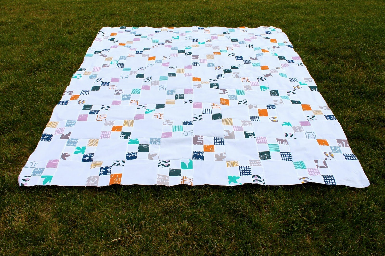 Irish Chain Quilt Pattern New Decorating Ideas