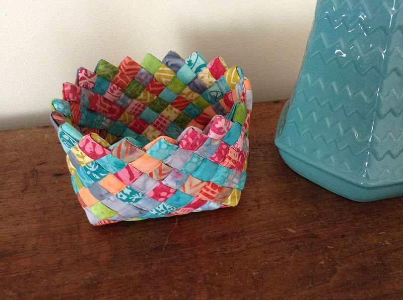 Free Tutorial - Woven Fabric Basket by Terry Ann Atkinson
