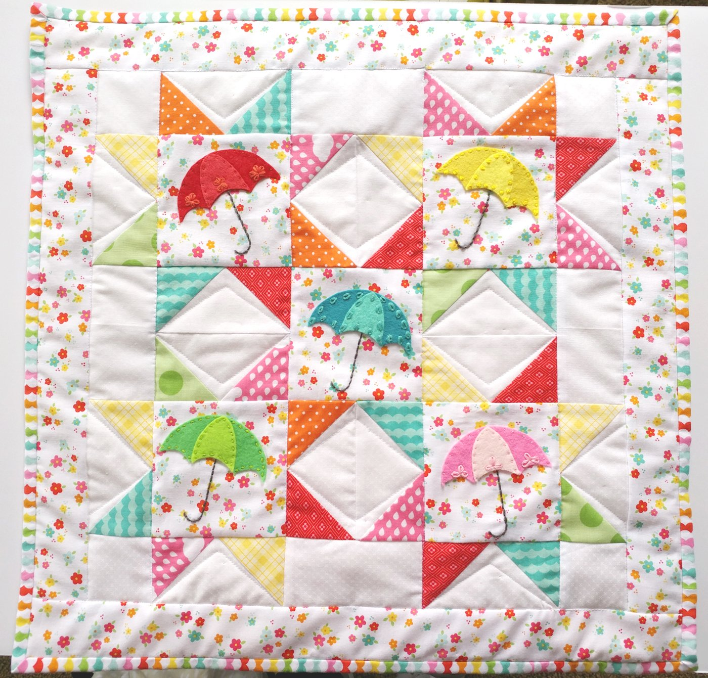 Free Pattern - Springtime Showers Mini Quilt by Amy Chappell